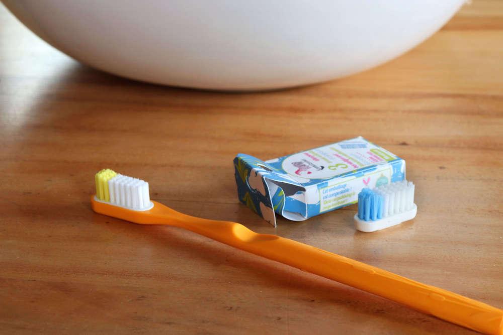 Brosse à dents réutilisable en bioplastique Lamazuna